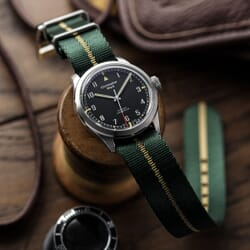 Henwick Single Pass NATO Strap - Green & Beige