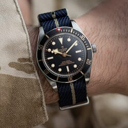 ZULUDIVER Sennen NATO Watch Strap - Midnight Blue & Red